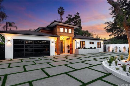 Photo of 15468 Morrison Street, Sherman Oaks, CA 91403 (MLS # SR21155866)