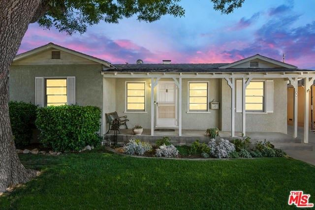 Photo for 1100 N ORCHARD Drive, Burbank, CA 91506 (MLS # 19485866)