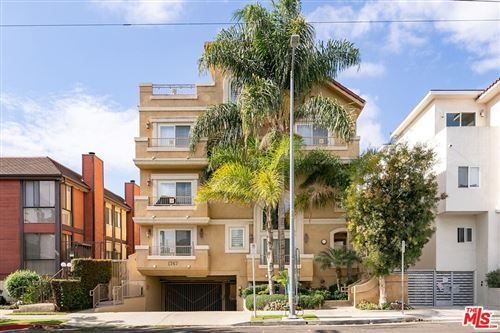 Photo of 1747 S Barrington Avenue #102, Los Angeles, CA 90025 (MLS # 21796868)