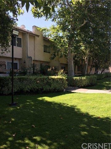 Photo of 7641 Reseda Boulevard #101-Z, Reseda, CA 91335 (MLS # SR20130868)