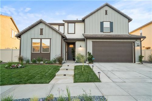 Photo of 17970 Spire Court, Canyon Country, CA 91350 (MLS # SR21199868)