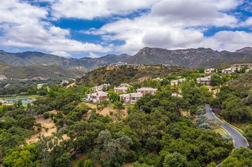Photo of 2342 Heatherbank Court, Thousand Oaks, CA 91361 (MLS # 220009869)