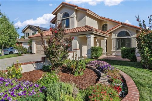 Photo of 2246 Country Park Court, Thousand Oaks, CA 91362 (MLS # 220006870)