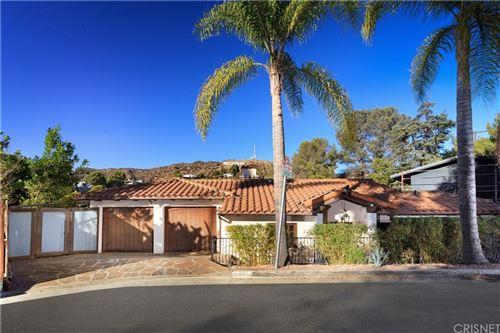 Photo of 2975 Hollyridge Drive, Los Angeles, CA 90068 (MLS # SR21002871)