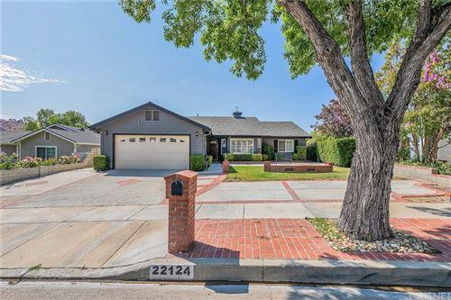 Photo of 22124 Barbacoa Drive, Saugus, CA 91350 (MLS # SR21117871)
