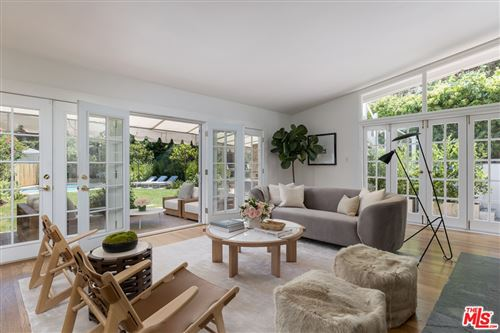Photo of 10120 Cielo Drive, Beverly Hills, CA 90210 (MLS # 21770872)