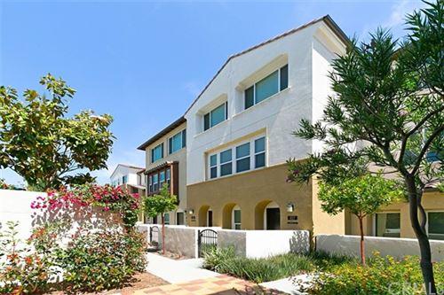 Photo of 931 E. Drapery Lane, Anaheim, CA 92802 (MLS # OC21124873)