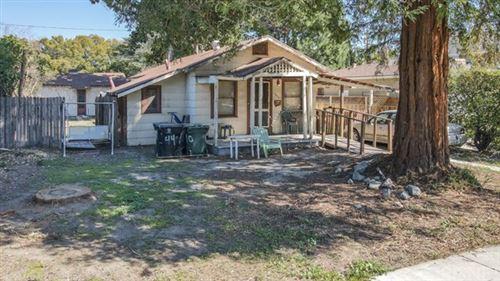Photo of 440 N Orchard Drive, Burbank, CA 91506 (MLS # SR21045873)