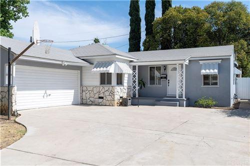Photo of 18312 Jovan Street, Tarzana, CA 91335 (MLS # SR21162873)