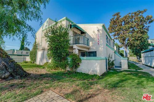 Photo of 18508 Mayall Street #G, Northridge, CA 91324 (MLS # 21792874)