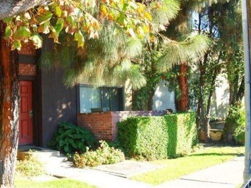 Photo of 21219 Roscoe Boulevard #105, Canoga Park, CA 91304 (MLS # SR21022874)