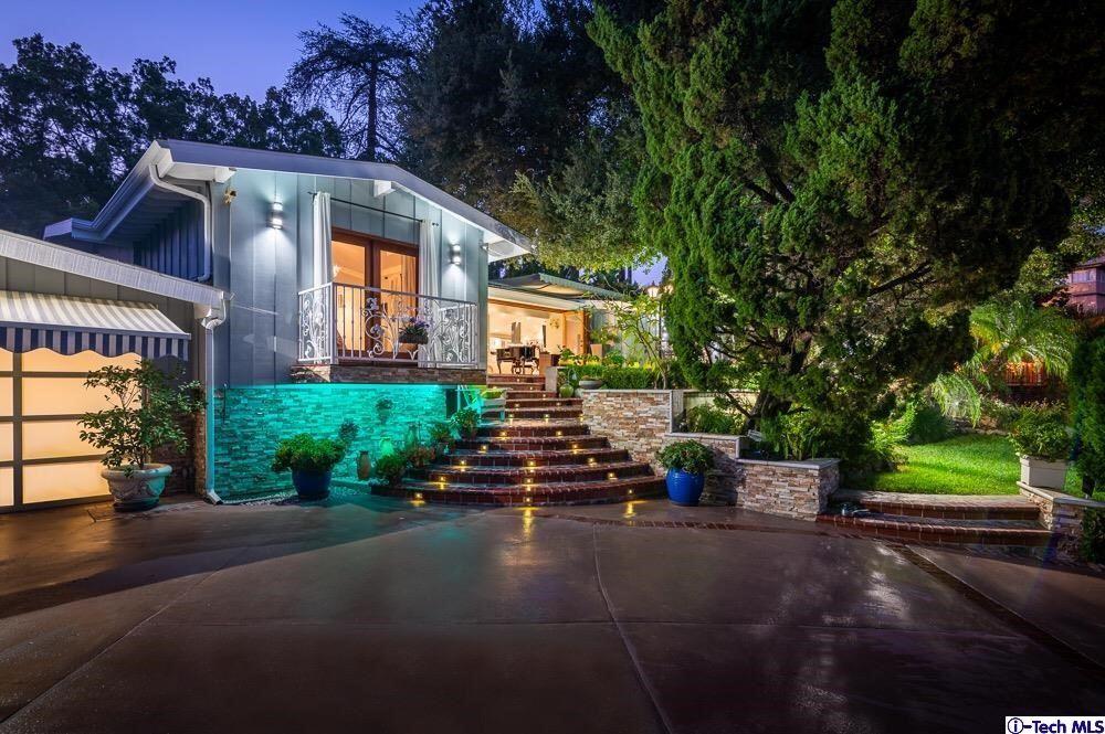 Photo of 1459 E Mountain Street, Glendale, CA 91207 (MLS # 320006874)