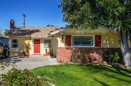 Photo of 22021 De La Osa Street, Woodland Hills, CA 91364 (MLS # P1-2875)