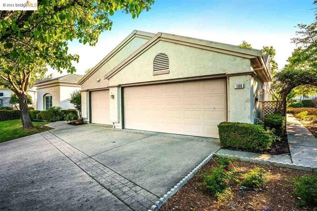 Photo of 1808 Redwine Ter, Brentwood, CA 94513 (MLS # 40948876)