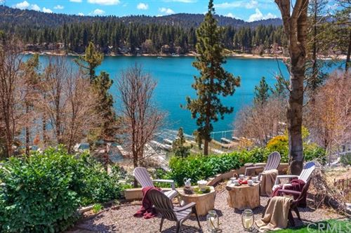 Photo of 28175 N Shore Road, Lake Arrowhead, CA 92352 (MLS # EV18161877)