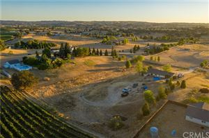 Photo of 5625 Loma Linda Drive, Paso Robles, CA 93446 (MLS # NS19198879)