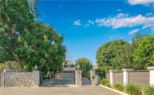 Photo of 50 W Glenchester Drive, Long Beach, CA 90805 (MLS # PW21233879)