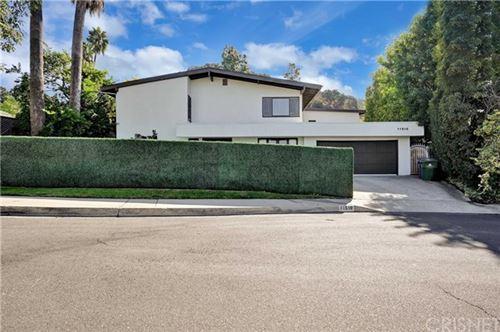 Photo of 11510 Dona Dorotea Drive, Studio City, CA 91604 (MLS # SR20248879)