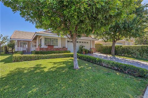 Photo of 25804 Webster Place, Stevenson Ranch, CA 91381 (MLS # SR21204879)