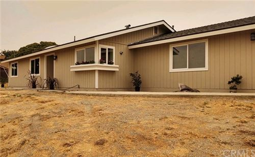 Photo of 7305 Shale Rock Road, Paso Robles, CA 93446 (MLS # NS20201880)