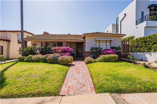 Photo of 1357 Woodruff Avenue, Los Angeles, CA 90024 (MLS # SR21185880)