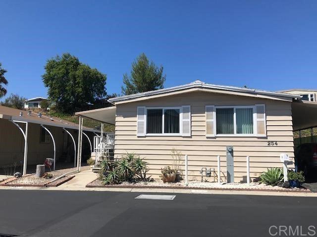 525 W El Norte Parkway W #254, Escondido, CA 92026 - MLS#: NDP2110880