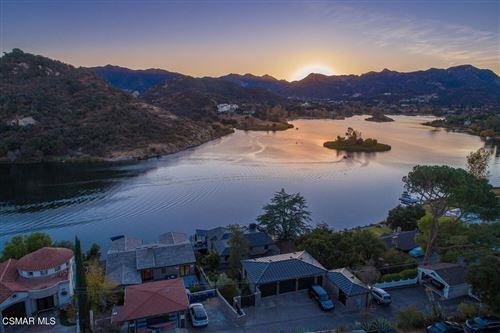 Photo of 890 Lake Sherwood Drive, Westlake Village, CA 91361 (MLS # 221003881)