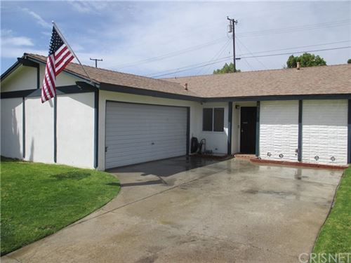 Photo of 19519 Ermine Street, Canyon Country, CA 91351 (MLS # SR21075881)