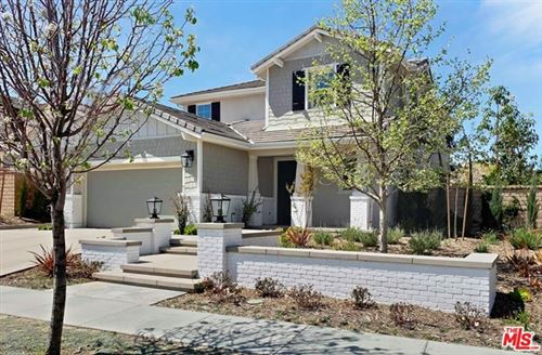 Photo of 391 Sequoia Avenue, Simi Valley, CA 93065 (MLS # 21716882)