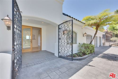 Photo of 7212 Mulholland Drive, Los Angeles, CA 90068 (MLS # 21719882)