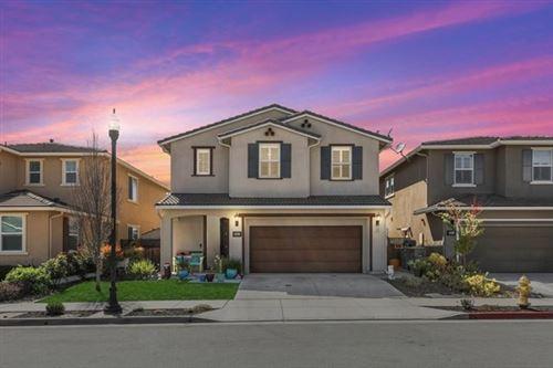 Photo of 9561 Hummingbird Lane, Gilroy, CA 95020 (MLS # ML81837882)
