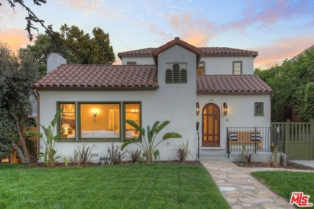 Photo of 212 N Windsor Boulevard, Los Angeles, CA 90004 (MLS # 20660882)