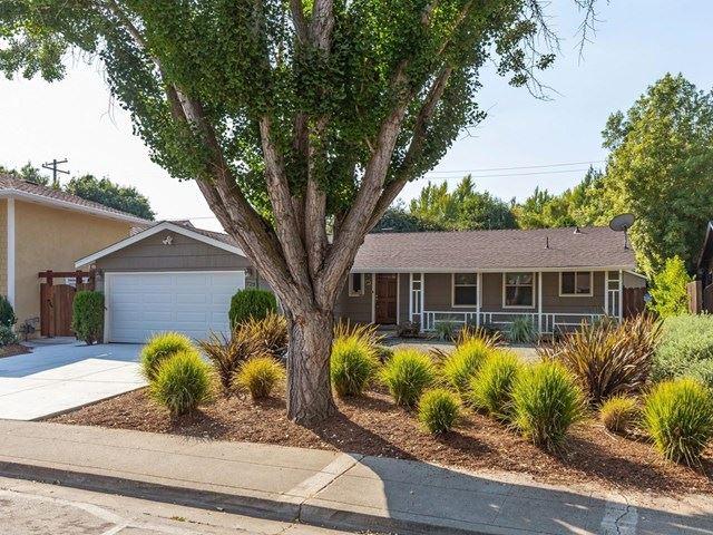 723 Lola Lane, Mountain View, CA 94040 - #: ML81806882