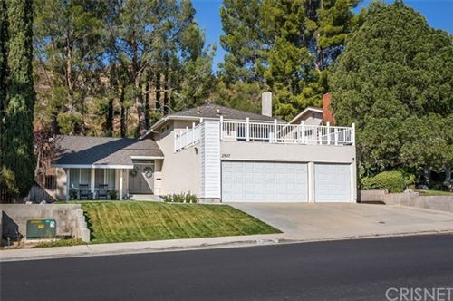 Photo of 29017 Flowerpark Drive, Canyon Country, CA 91387 (MLS # SR20217883)