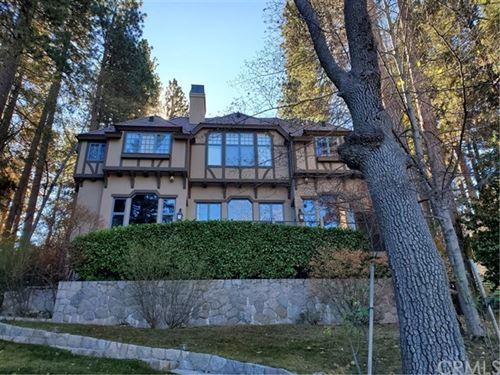 Photo of 27776 Hamiltair Drive, Lake Arrowhead, CA 92352 (MLS # EV19270884)