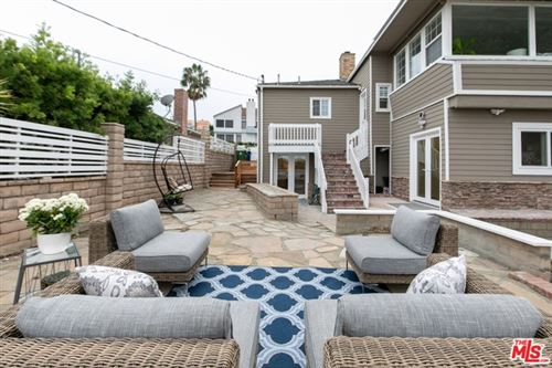 Photo of 7520 EARLDOM Avenue, Playa del Rey, CA 90293 (MLS # 19527886)