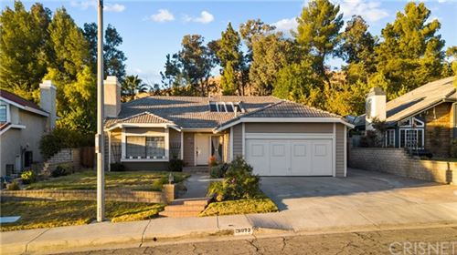 Photo of 28073 Croco Place, Canyon Country, CA 91387 (MLS # SR20249887)