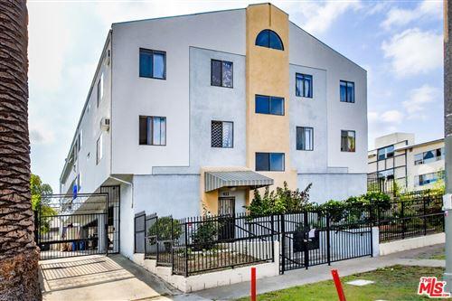 Photo of 411 N Kenmore Avenue, Los Angeles, CA 90004 (MLS # 21741888)