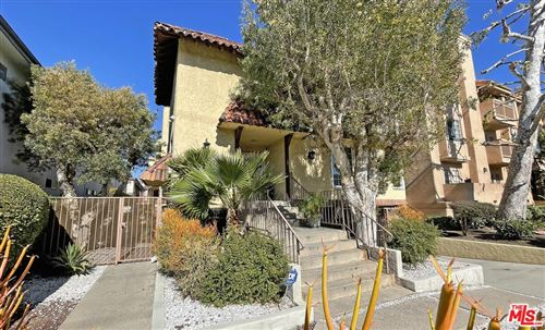 Photo of 1606 S Barrington Avenue #4, Los Angeles, CA 90025 (MLS # 21781888)