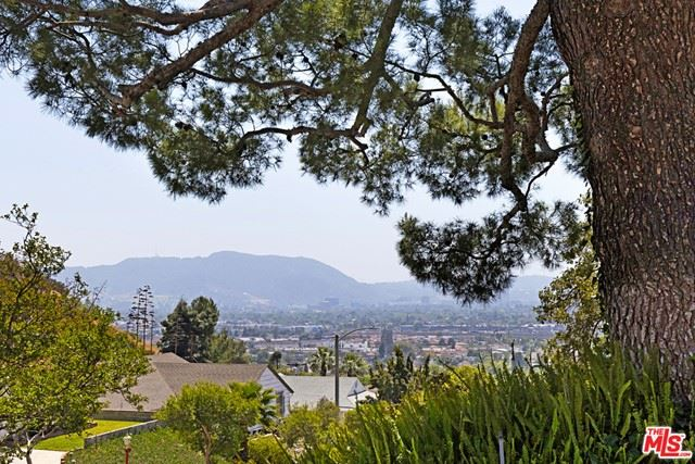 Photo of 925 Irving Drive, Burbank, CA 91504 (MLS # 21720888)