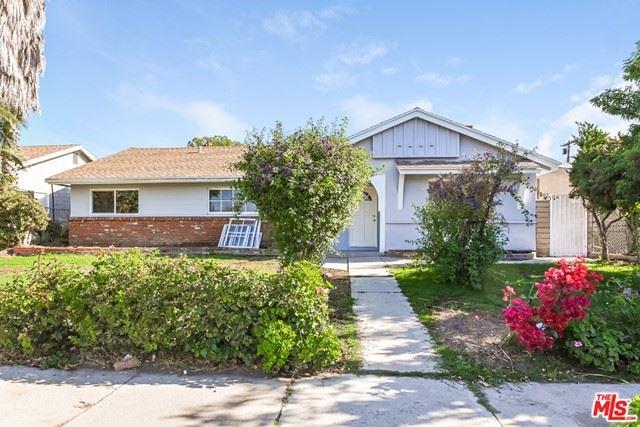 Photo of 16417 Rinaldi Street, Granada Hills, CA 91344 (MLS # 21750888)