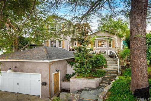 Photo of 13952 Davana, Sherman Oaks, CA 91423 (MLS # SR21232889)