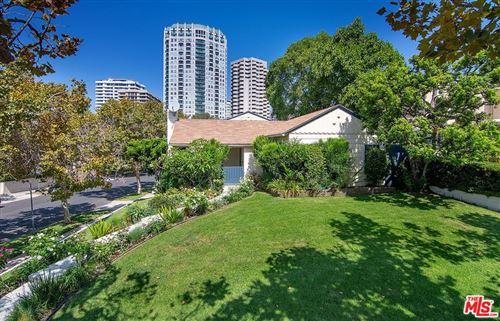 Photo of 10537 Rochester Avenue, Los Angeles, CA 90024 (MLS # 21780890)