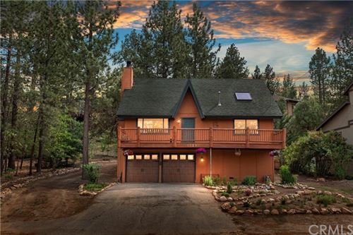 Photo of 40297 Lakeview Drive, Big Bear, CA 92315 (MLS # EV21131890)