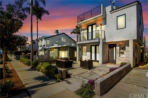 Photo of 617 Poppy Avenue, Corona del Mar, CA 92625 (MLS # OC20058890)