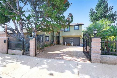 Photo of 16234 Chatsworth Street, Granada Hills, CA 91344 (MLS # SR21039890)