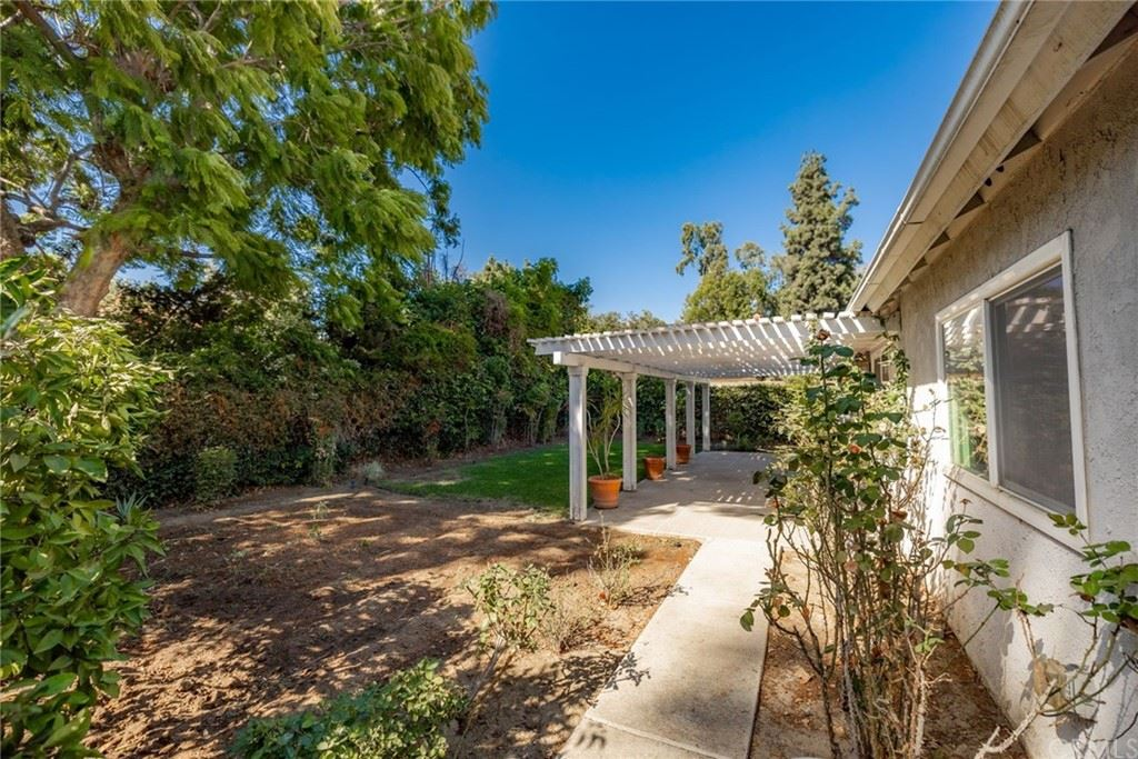 Photo of 1517 Sycamore Avenue, Fullerton, CA 92831 (MLS # LG21229890)