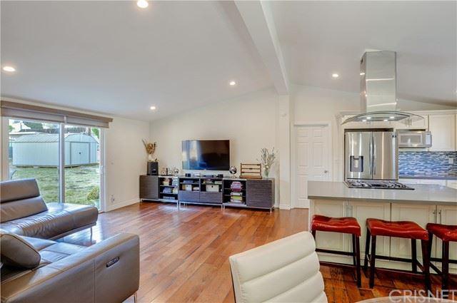 Photo of 17100 Rosnick Place, Granada Hills, CA 91344 (MLS # SR21148890)