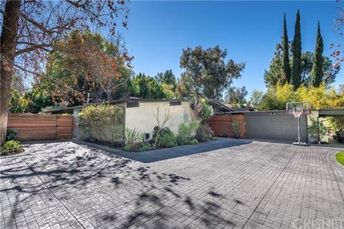 Photo of 15316 Valley Vista Boulevard, Sherman Oaks, CA 91403 (MLS # SR21040891)