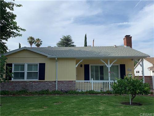 Photo of 22143 Ybarra Road, Woodland Hills, CA 91364 (MLS # SR21162892)